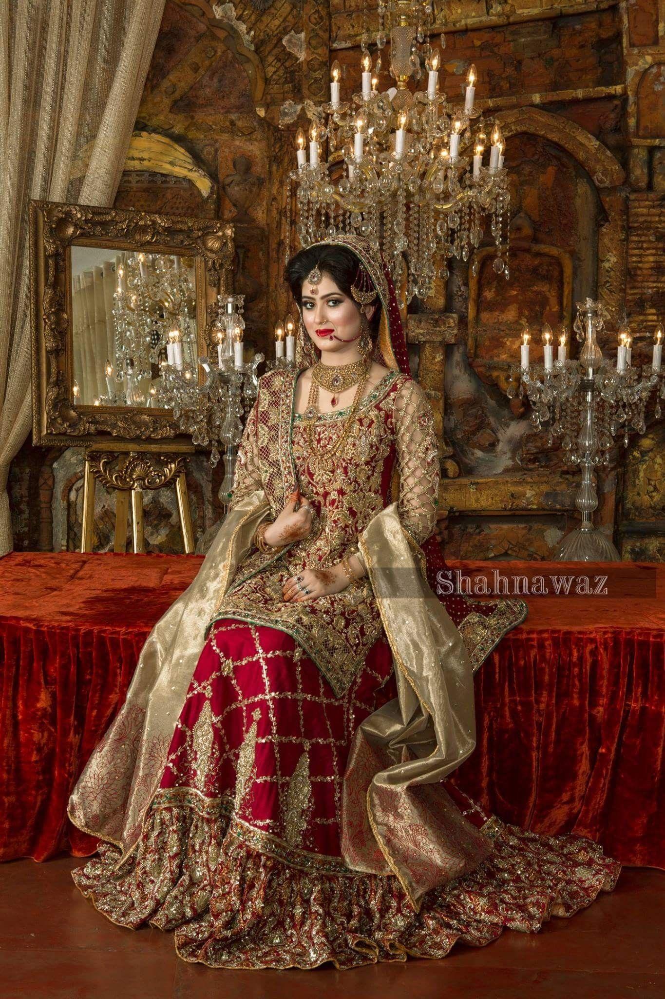 Beautiful dulhaan Pakistani bridal dresses online