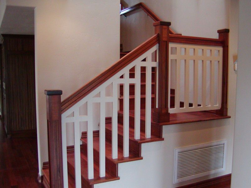 Best Two Spindles Per Stair Spindles Into Step No Bottom Rail 400 x 300