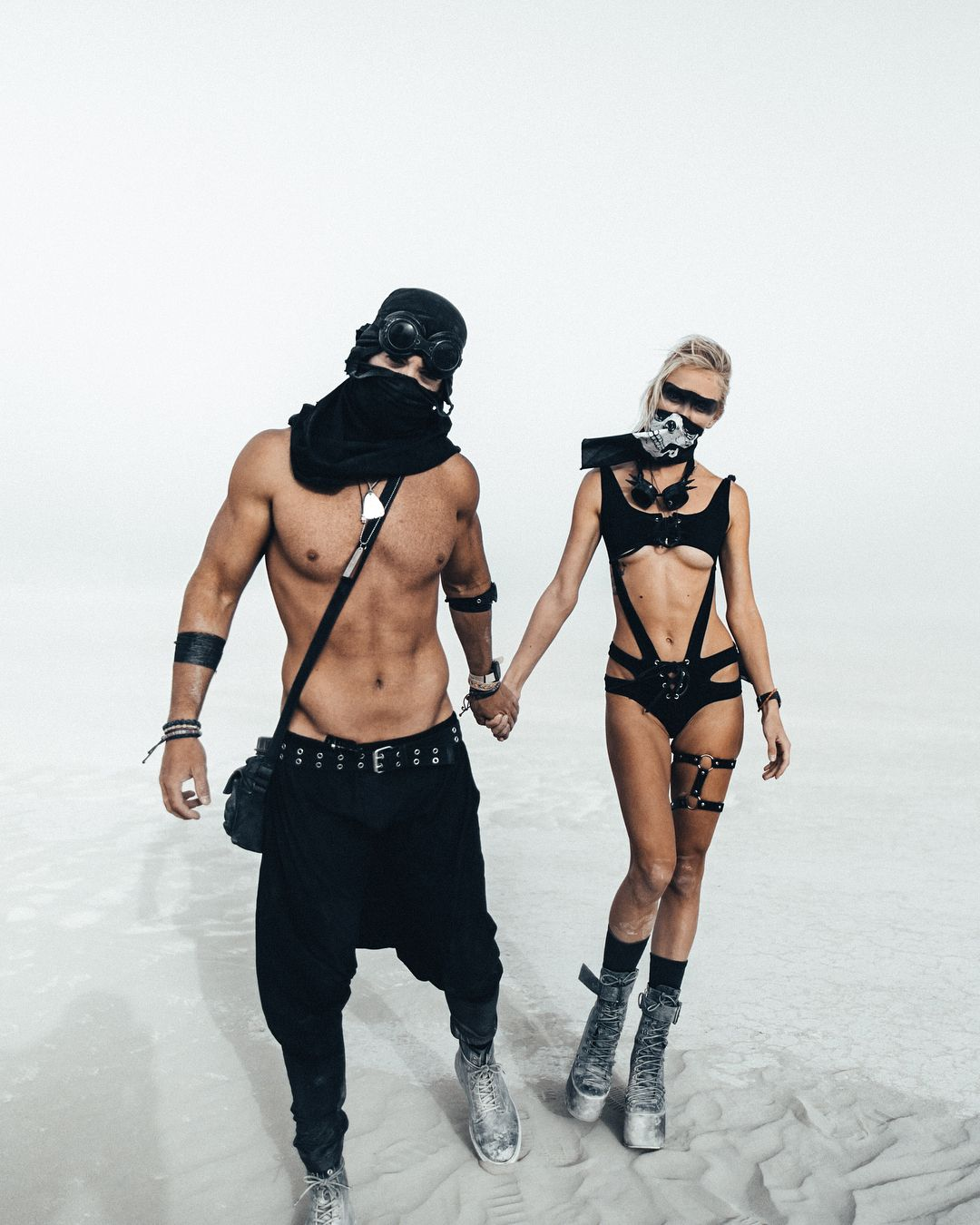 (@graceannerickson) • (@moliverallen) Burning Man, Burning man fashion, burners, burner style, burner girls, burner guys, outfit, outfits #manoutfit