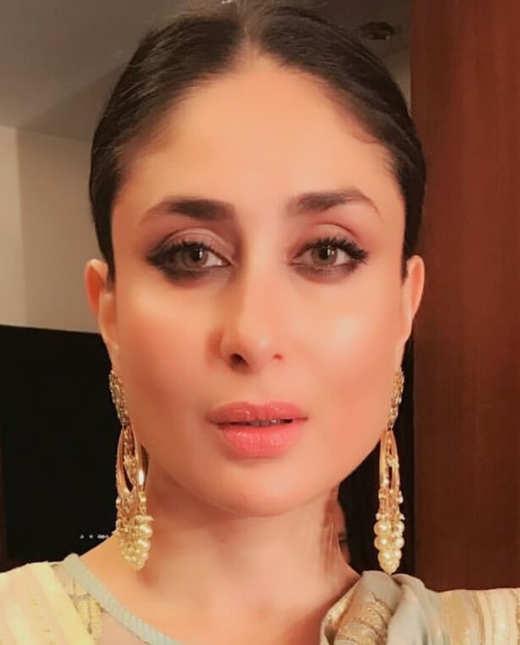 Kareena Kapoor Follow Archit3298 On Twitter Beautiful Hot Traditional Fashion Beauty Cute Adorable Style Glamour Gorgeous Kareena Kapoor Kareena Kapoor Khan Bollywood