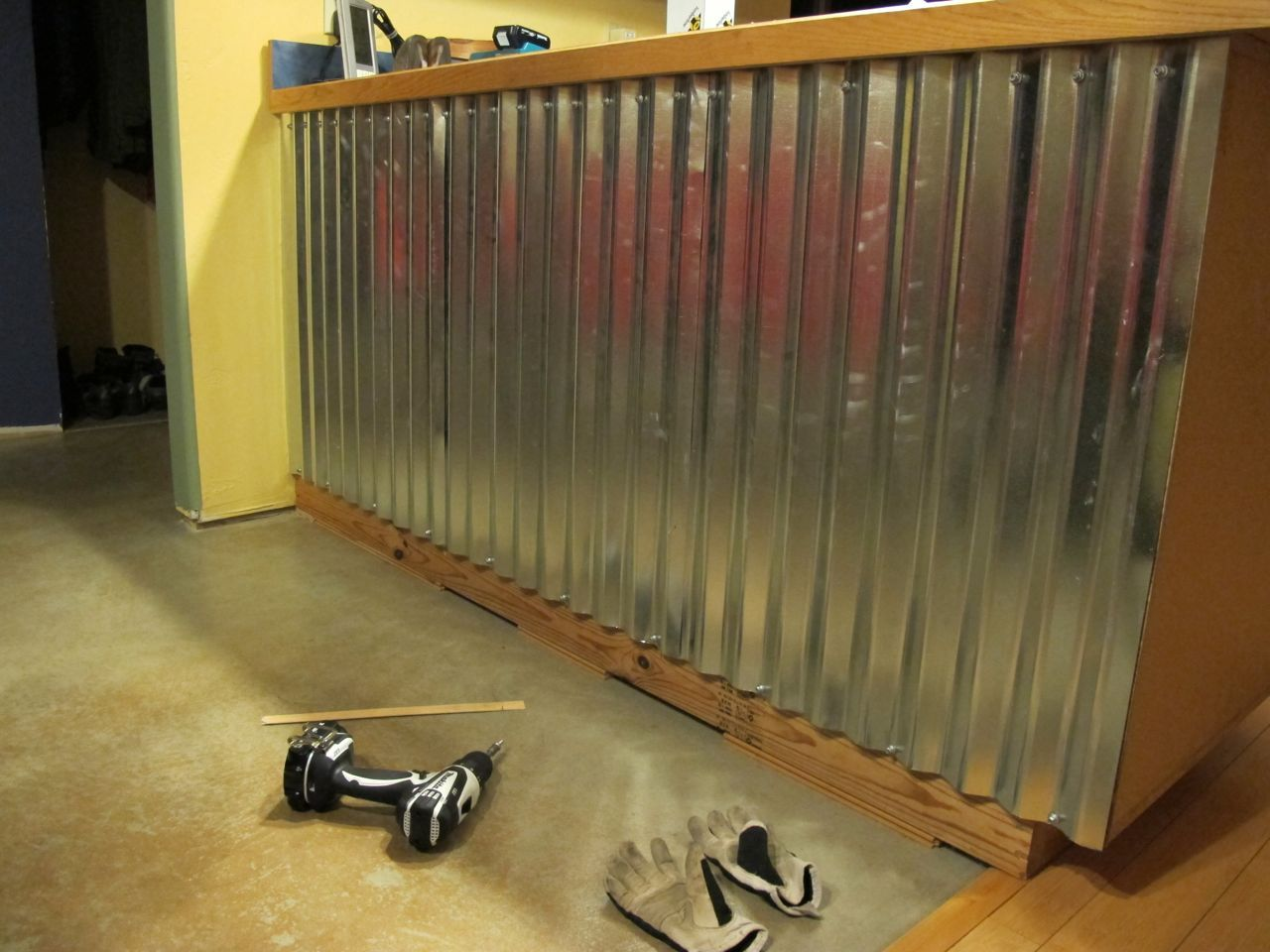 I Love This I Need To Find A Spot To Be Able To Do This Corrugated Metal Wall Coat Hooks For Next To Door In Basemen Metal Homes Corrugated Metal Wall