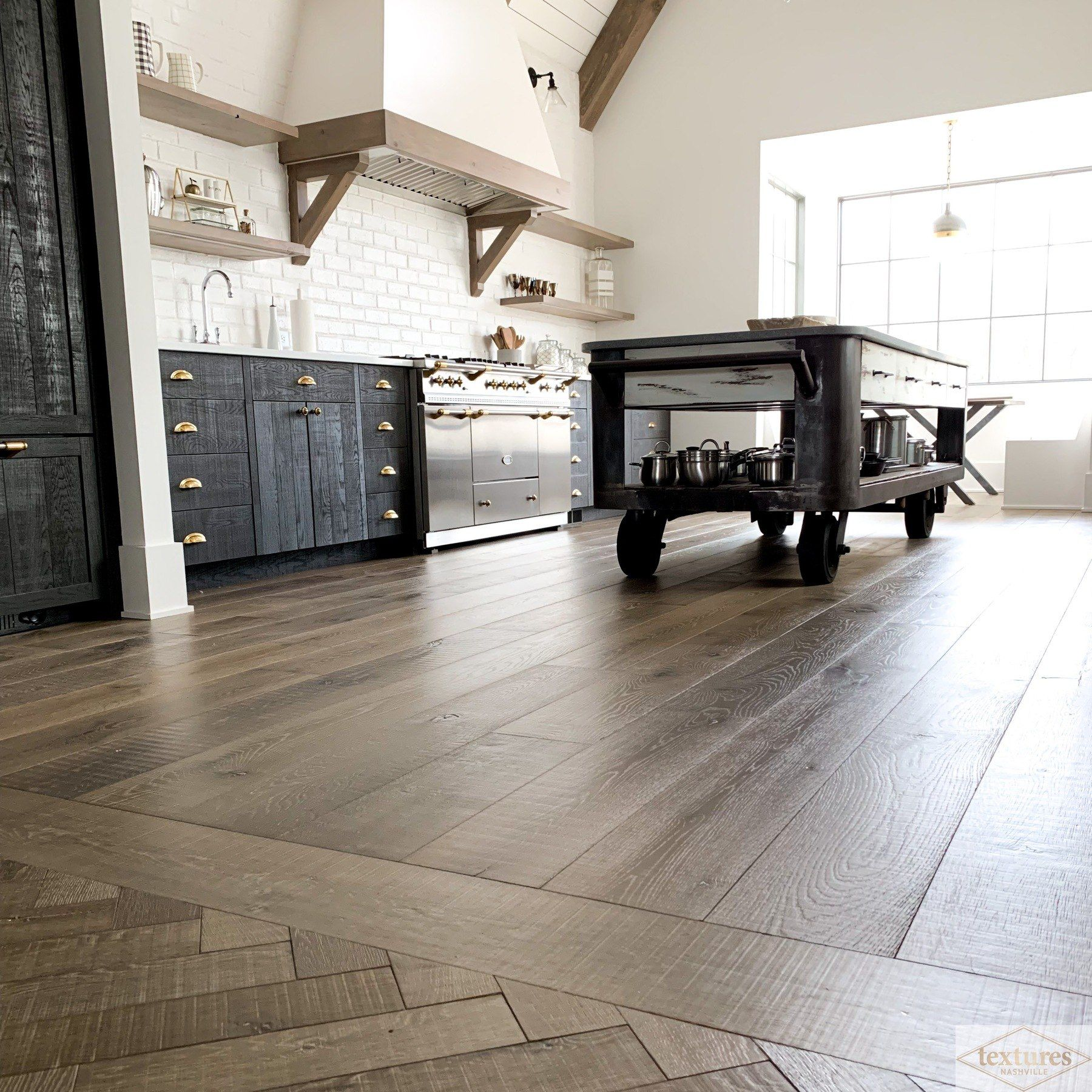 2019's Top Kitchen Flooring Trends and How to Style Them