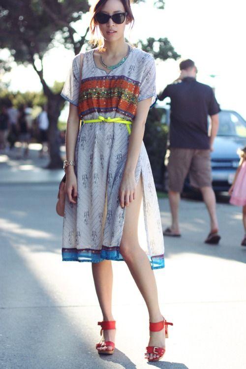 Vintage Biba dress. Coach bag. Zara sandals. Forever 21 belt. Vintage necklace (image:thatschic)