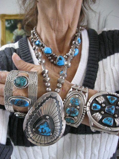 COLLECTION OF RARE BLUE BISBEE TURQUOISE AND STERLING NATIVE AMERICAN JEWELRY WITH BISBEE LAVENDER PIT MINE MATRIX