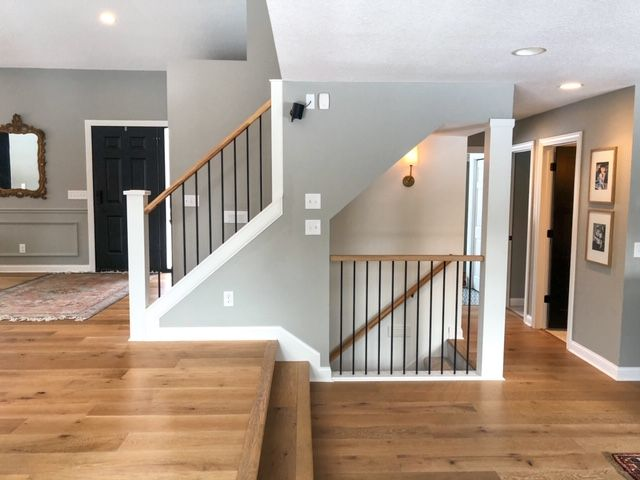 Tips & Tricks to DIY Your Staircase Railing | construction2style