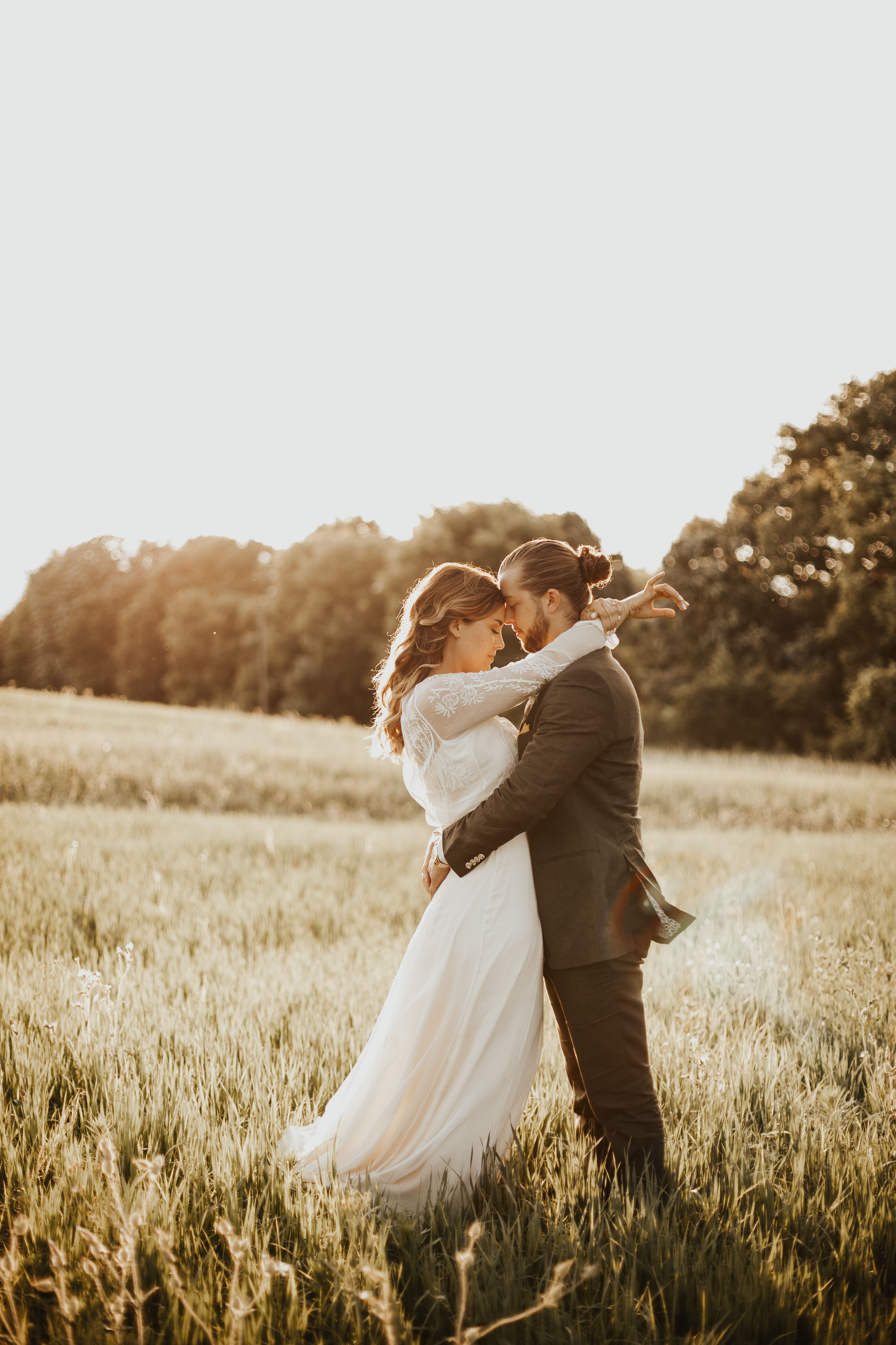 Vt long sleeve edwardian inspired wedding dress outdoor