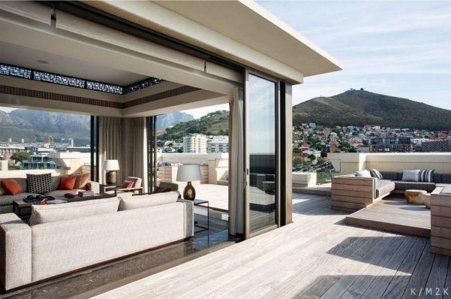 luxus penthouse einrichtung kapstadt dachgeschoss terrasse holzboden wohnung pinterest. Black Bedroom Furniture Sets. Home Design Ideas