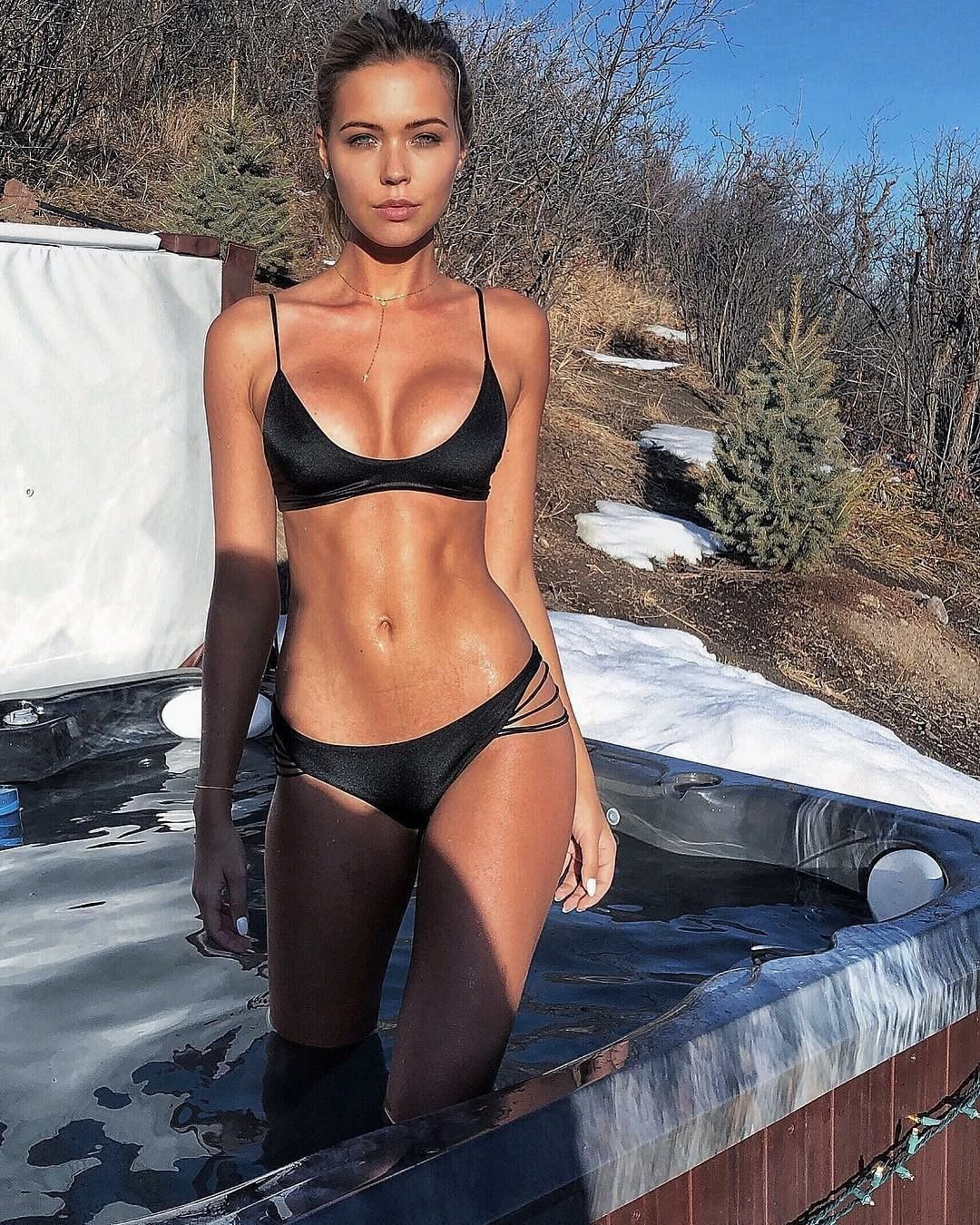 Sandra Kubicka Outfits Lucy Chicas En Bikini Mujeres Guapas Y