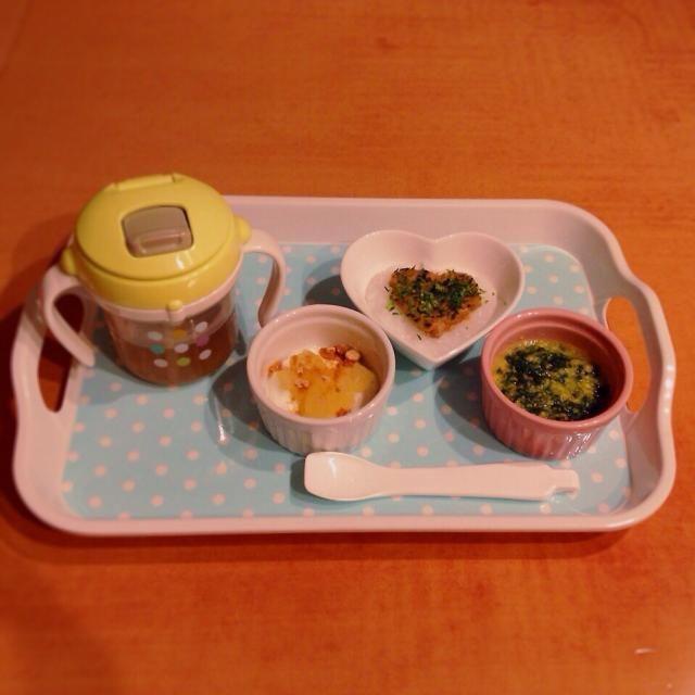♢納豆粥 ♢ほうれん草とコーンの野菜スープ ♢りんごときな粉のヨーグルト ♢麦茶 - 5件のもぐもぐ - 離乳食 by kaiton0312