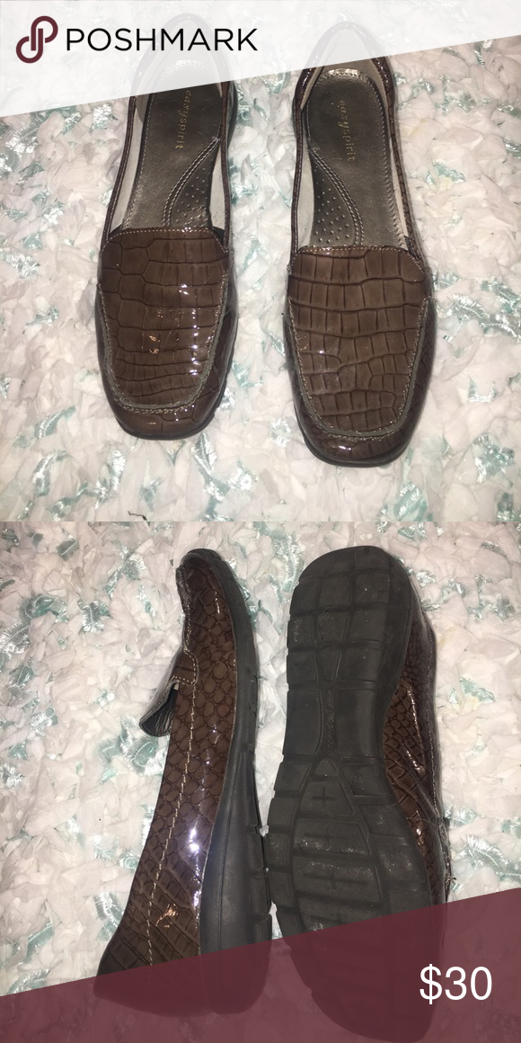 2f20703240c7 🚨REDUCED Naturalizer brown flat shoes. Worn once! Very pretty and  amazingly comfortable! Brown in color