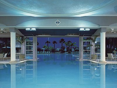 indoor to outdoor Swimming Pool | indoor outdoor pool Stock ...