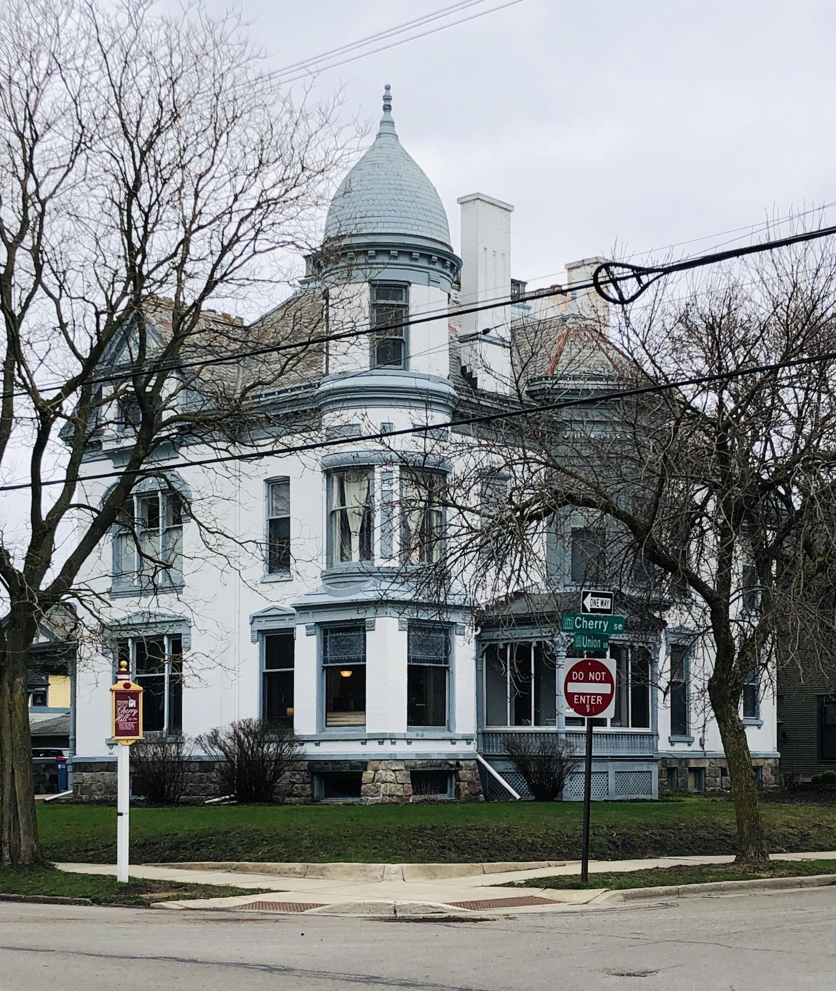 Another walk through heritage hill grand rapids mi in 2020