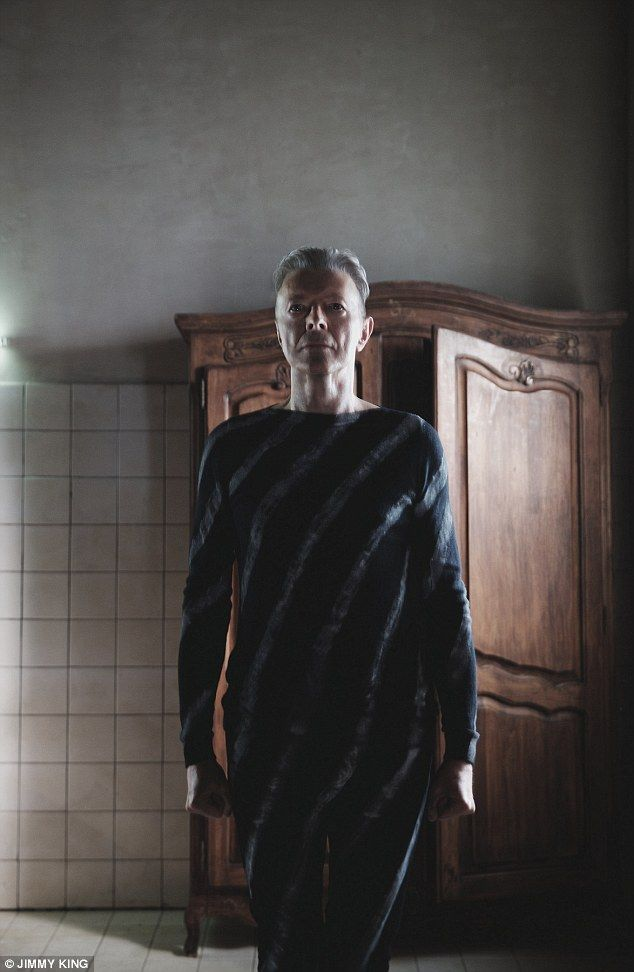 David Bowie writhes around in hospital bed in eerie new