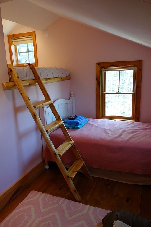 Romantic Retreat: 10 acres, Hot Tub,... - HomeAway Granville