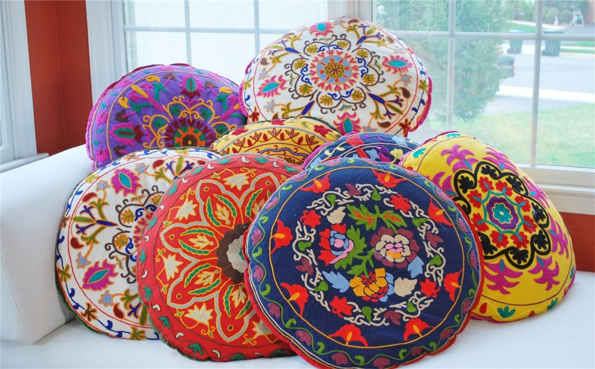 Round Floor Pillow with Bouquet Design, Ellimod