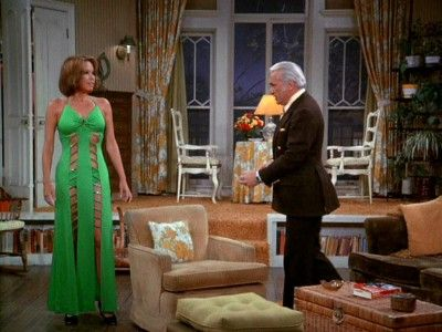Have Wanted A Step Down Living Room Since Mary Tyler Moore S Apartment