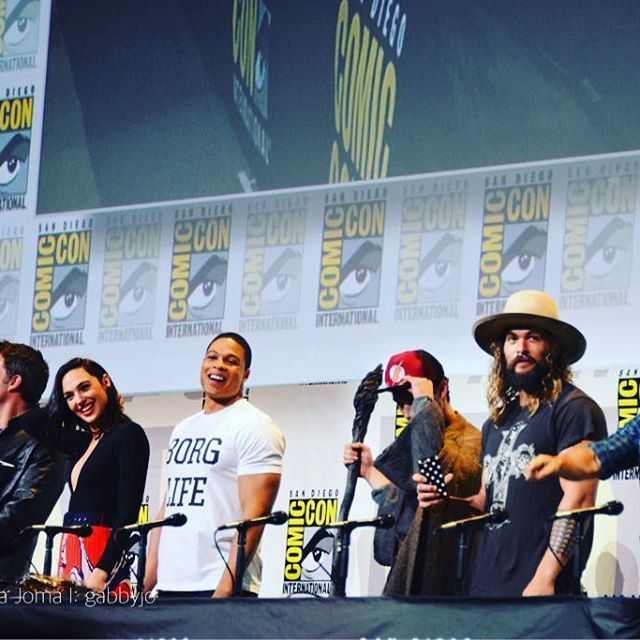 Im very much on board with this Justice League  #betterlatethannever #sdcc #justiceleague #wb #benaffleck #batfleck #galgadot #rayfisher #ezramiller #jasonmomoa #henrycavill #dreamteam #flash #batman #wonderwoman #cyborg #aquaman #superman #dc #dcfangirl