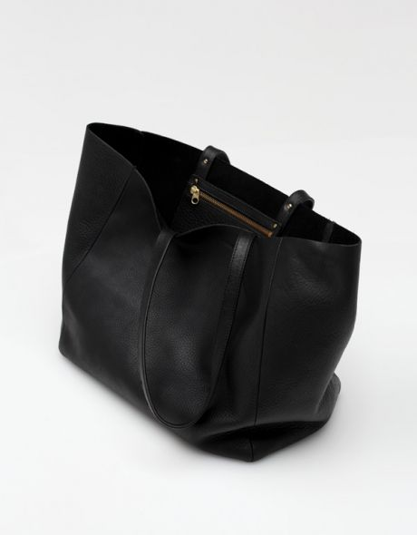 Leather Tote in Black
