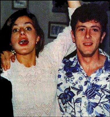 Letizia Ortiz Rocasolano and her first husband Alonso Guerrero Pérez. They were married on 7 August 1998, in a simple civil ceremony at Almendralejo, in Badajoz. The marriage was dissolved by divorce in 1999. They had no children.