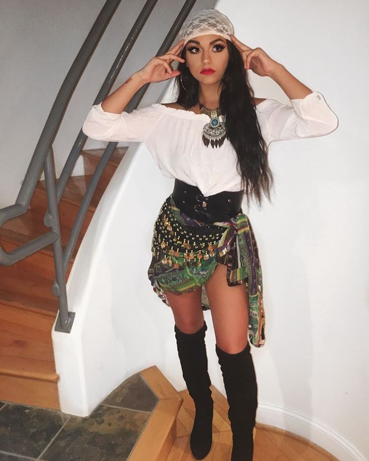 Andrea Russett In 2019 Pirate Halloween Costumes