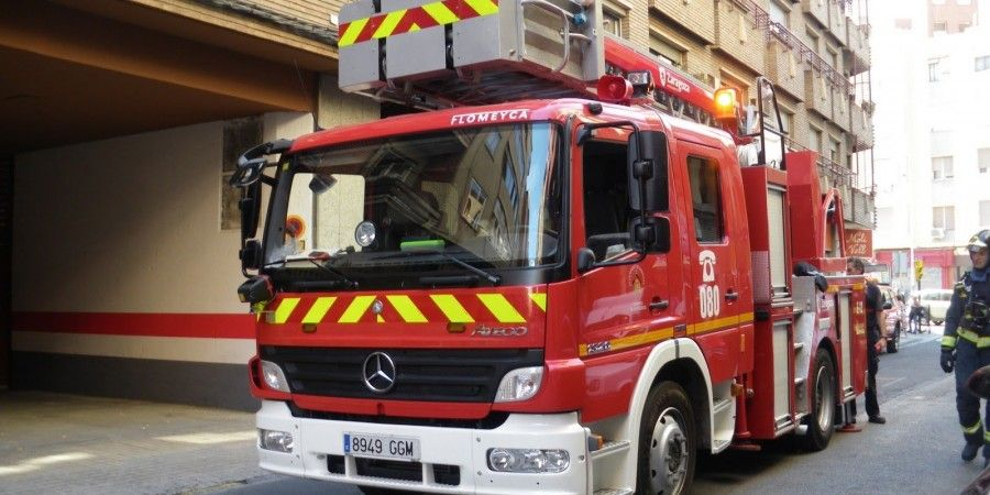 Multan a un camión de bomberos por exceso velocidad cuando iba a apagar un incendio.