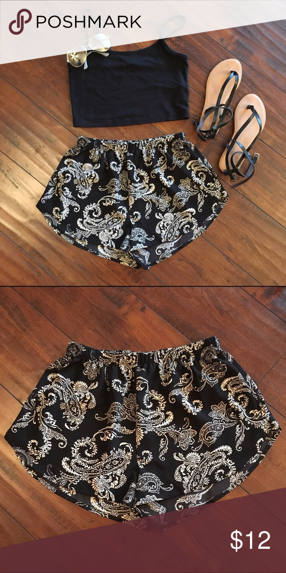 Paisley shorts Super cute and comfy paisley shorts! Used once or twice and in amazing condition. Like the crop that's also displayed? Shorts