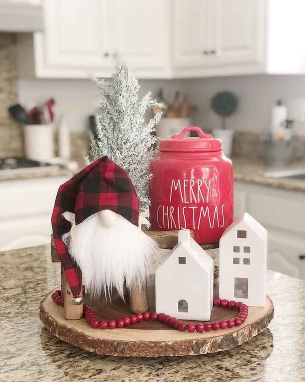 42 amazing christmas decor for kitchen table pimphomee christmas kitchen decor christmas on kitchen xmas decor id=24181