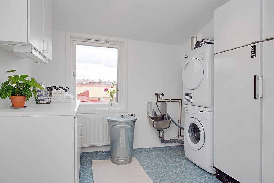Exceptional Attic Duplex For An Idyllic Lifestyle In Gothenburg Sweden Freshome Com Attic Renovation Attic Wardrobe Attic Storage
