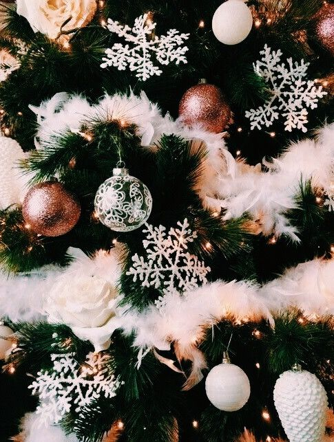 ☆P I N T E R E S T : @ellemartinez99☆ #christmasaesthetic
