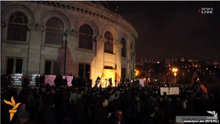 Anoche se produjeron enfrentamientos entre los activistas del Nuevo Frente y la policía de Armenia.
