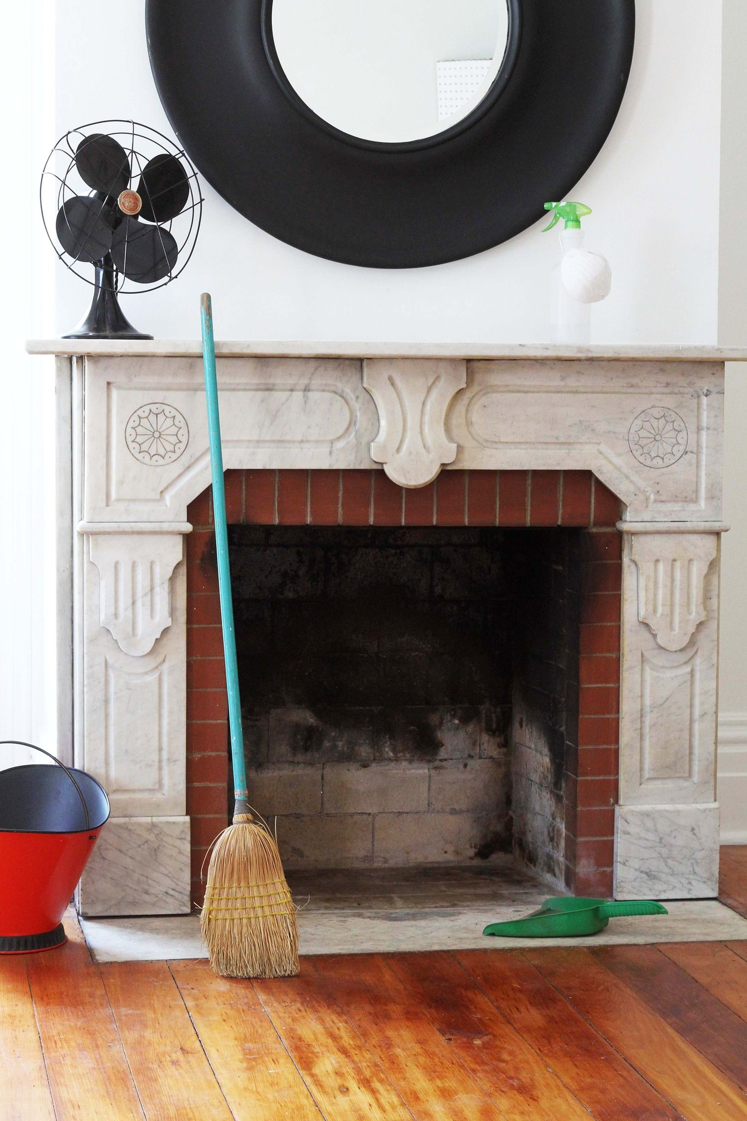 How To Clean A Fireplace Cleaning Painted Walls Cleaning Hacks Deep Cleaning Tips