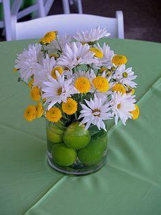 Flower Arrangement With Daisies And Button Mums Google Search Daisy Centerpieces Flower Arrangements Flower Decorations