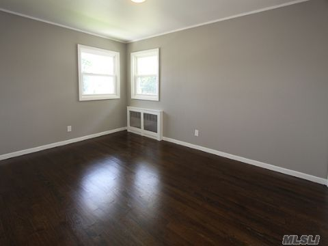 Gray walls and dark wood floor grey walls white molding for What color walls go with dark wood floors