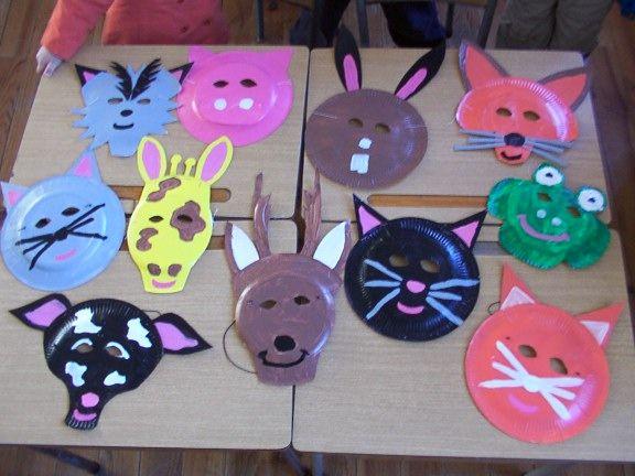 masque avec des assiettes en carton bricolage enfants pinterest assiette en carton. Black Bedroom Furniture Sets. Home Design Ideas