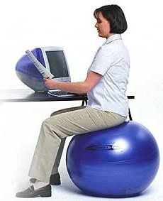Pelota de estabilidad como silla de trabajo Silla Ergonómica 3a77b9703ee8