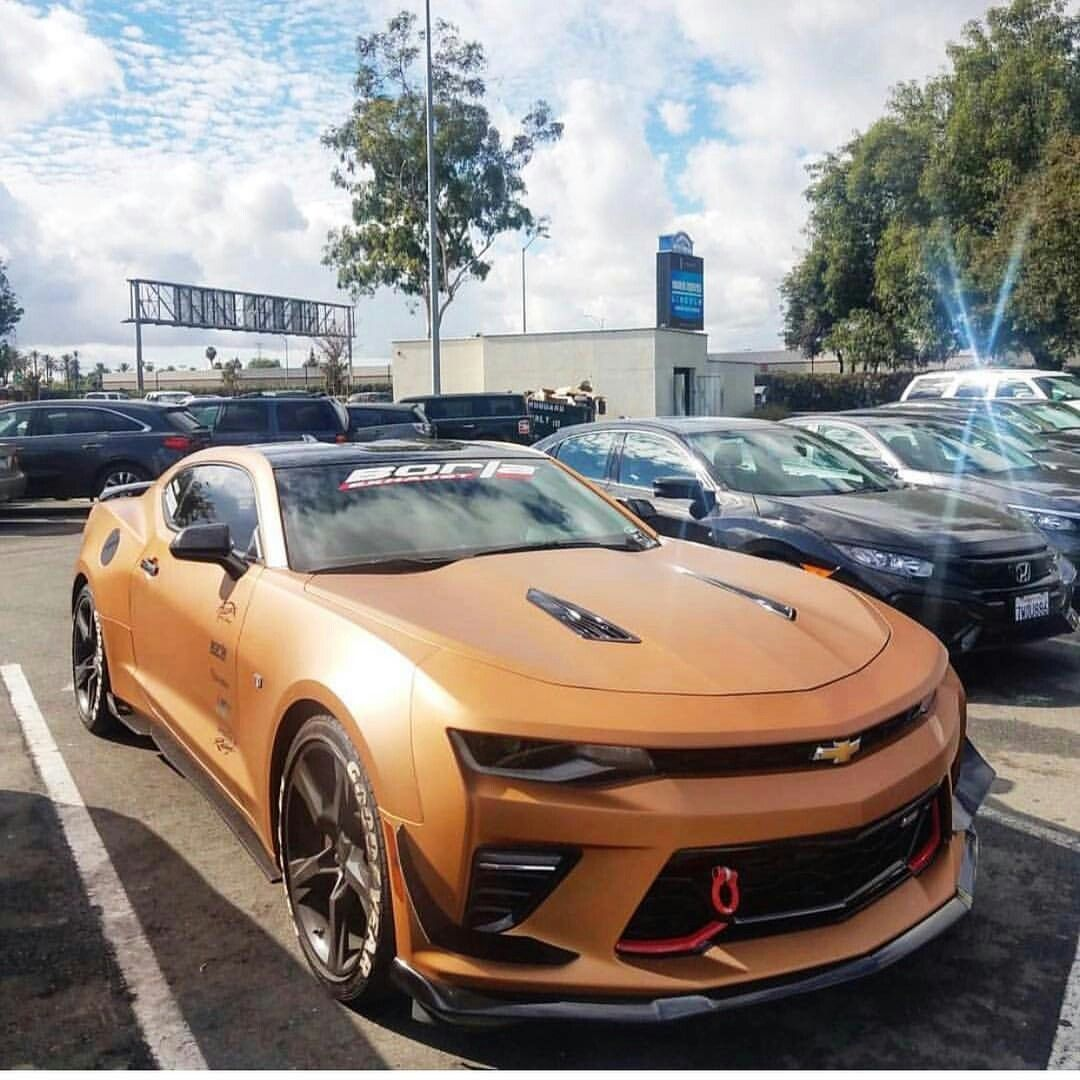 I Kinda Like This Color 2017 Camaro Ss Pony Car Chevrolet Corvette