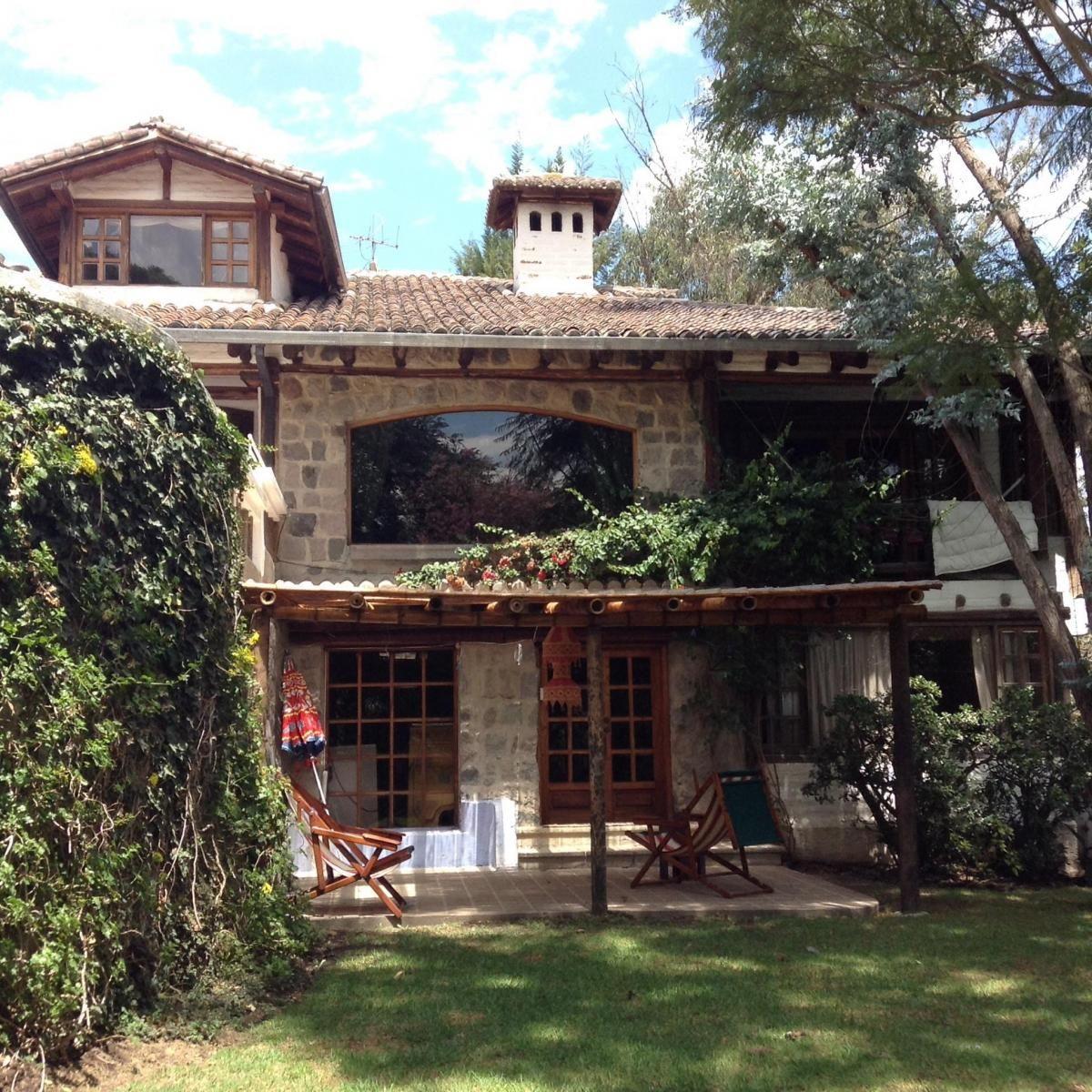 Casa grande y c moda con jardines rboles frutales 4 for Casas con jardin grande