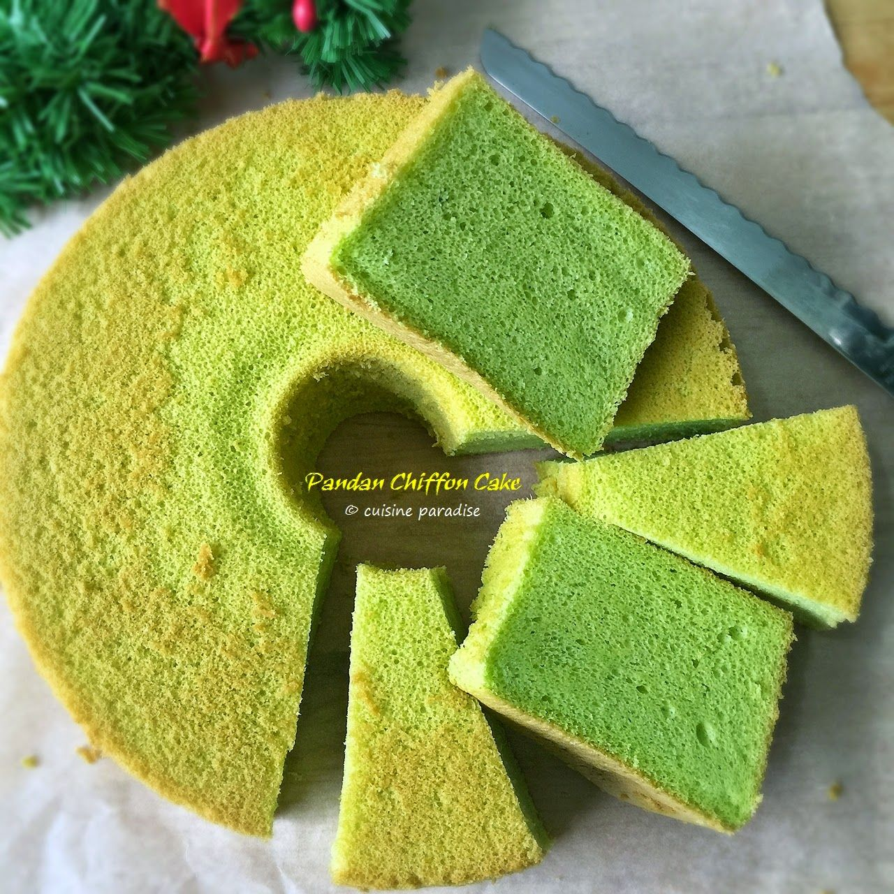 Cuisine Paradise | Singapore Food Blog | Recipes, Reviews And Travel: [recipes] Pandan Chiffon Cake - 香兰戚风蛋糕