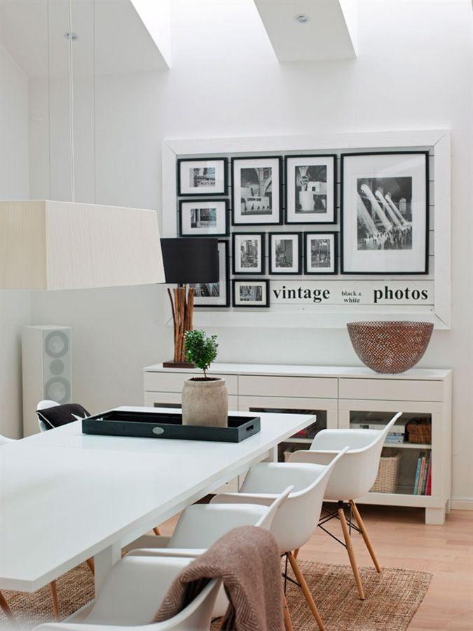 Espacio de comedor en blanco y madera con la sillas DAW - via ...