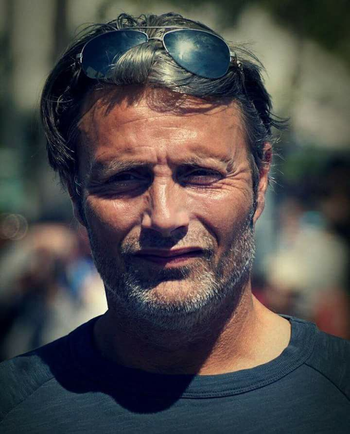 c44f940653b5 Mads wearing glasses on the top of his head | MADS MIKKELSEN in 2019 ...