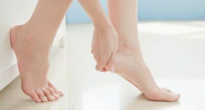 Simple home remedies for treating cracked heel #crackedskinonheels Simple home remedies for treating cracked heel #crackedskinonheels