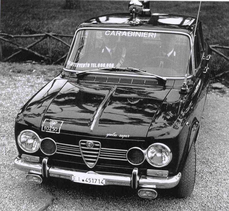 Di-biancoenero: Carabinieri In Alfa Romeo Giulia Super Via