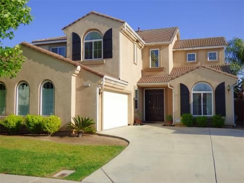 Just Listed Modesto Home For Sale 385 000 Beautiful Clean And Large Two Story Home Come See This Beauty 2320 Sea O Real Estate Selling House House Styles