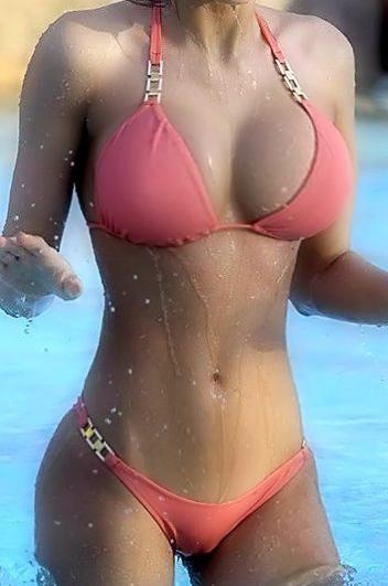 Sexy wet bikini girls