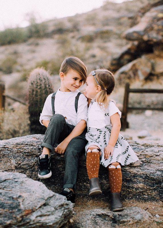 Modern desert family photos | Wedding & Party Ideas