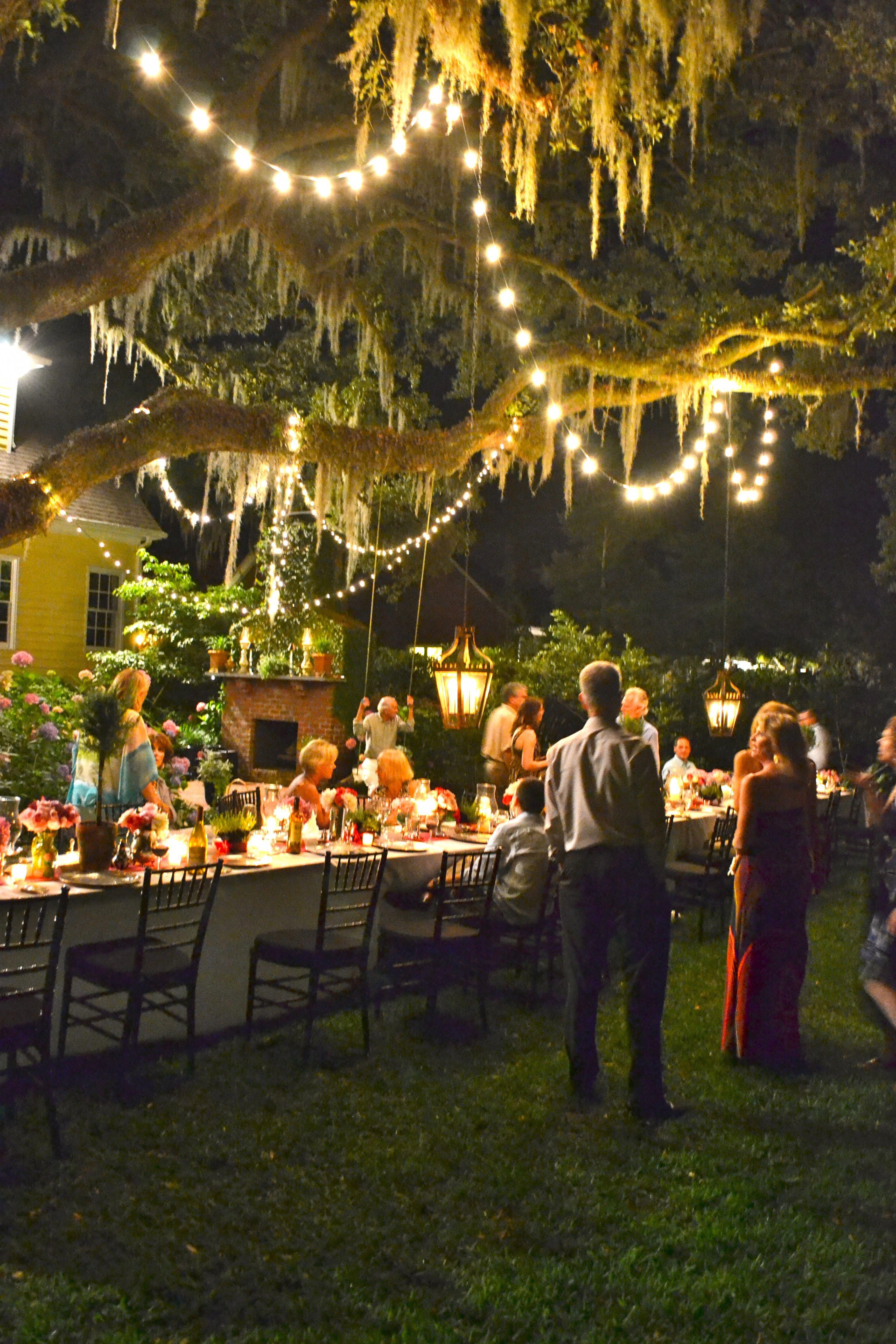 Look This Outdoor Lighting Ideas That Bring Magic Into The Backyard 8083124 Backyard Party Decorations Backyard Birthday Parties Dinner Party Ideas For Adults