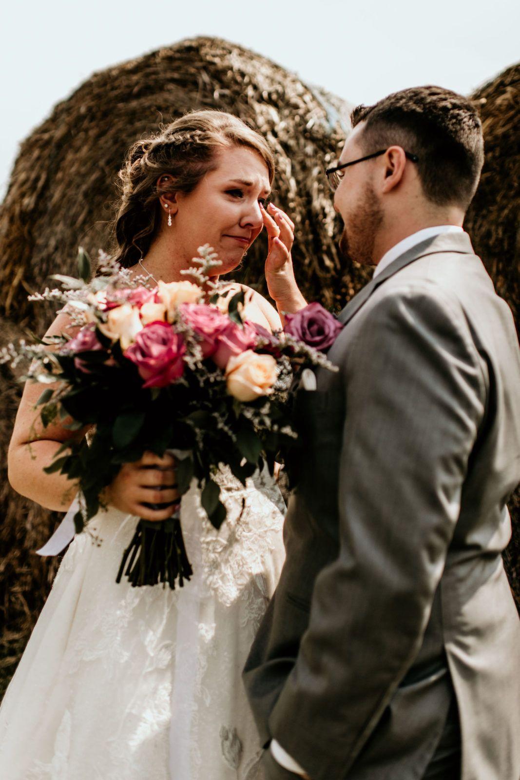 Conklin's Barn Wedding Illinois | Wedding scene, Planning ...