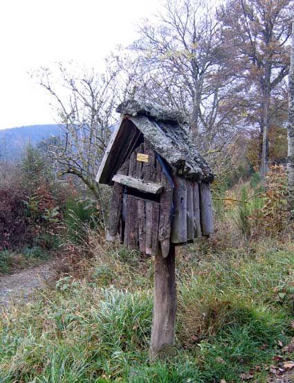 perdu dans les bois boite aux lettres pinterest into the woods perdu et la lettre. Black Bedroom Furniture Sets. Home Design Ideas
