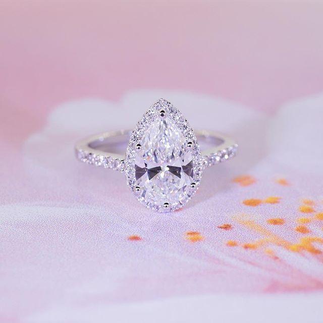 18k White Gold Odessa Diamond Ring 1 5 Ct Tw Pear Shaped Wedding Rings Vintage Engagement Rings Wedding Rings Engagement