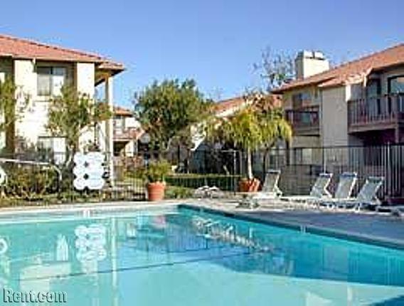 Capri 12159 Calle Sombra Moreno Valley Ca 92557 Rent Com Moreno Valley Apartments For Rent Valley